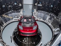 Elon Musk khoe ảnh chiếc Tesla Roadster sẽ đưa lên sao Hỏa