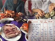 Chặt chém vô địch: Bữa ăn trên tàu 8 triệu, túi bánh ra 800 ngàn
