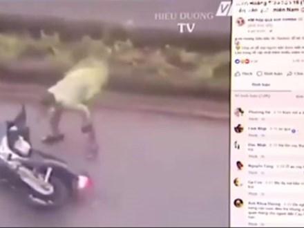 Phẫn nộ chiêu trò giả livestream bão số 16 để câu like trên Facebook