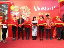 VinMart+ cấp tập khai trương 1 ngày 3 cửa hàng đón Tết