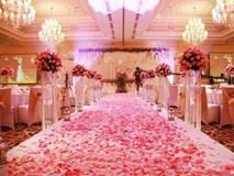 Đang tổ chức cưới tưng bừng, hàng xóm treo vải trắng, bật nhạc đám ma phá đám