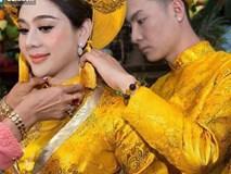 """Xúc động lá thư tay Lâm Khánh Chi gửi chồng: """"Tình yêu của anh là lí do duy nhất khiến em tồn tại"""""""
