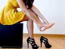 Cảnh báo nguy cơ do giày cao gót