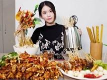 Video: Nữ công sở chế bếp mini mở đại tiệc lẩu đãi đồng nghiệp