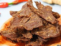 Tự làm khô bò Hồng Kông tuyệt ngon đãi khách ngày Tết Dương lịch