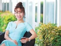 Nữ tỷ phú Việt đầu tiên lọt top 1.000 người giàu có nhất hành tinh: Mặc váy hoa, mang giày cao gót và tay cầm đô la