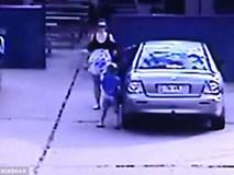 Chỉ khuất mắt khoảng 30 giây, người mẹ suýt nữa đã bị gã đàn ông bắt cóc mất con gái
