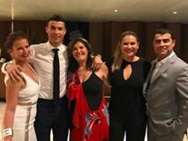 Ronaldo và bạn gái hạnh phúc mừng sinh nhật mẹ Dolores