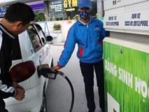 Giá xăng đầu năm 2018: Giữ nguyên giá xăng, tăng giá dầu