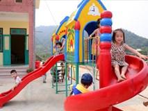 Tranh cãi kịch liệt về trẻ 3 tháng tuổi được học mầm non