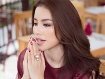 Phạm Hương bật khóc nức nở khi nhắc đến những áp lực phải chịu đựng trong 2 năm nhiệm kỳ Hoa hậu Hoàn vũ