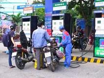 Giá xăng A95 tăng quá mạnh: Bộ không quản, dân mù mờ