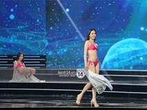 Thí sinh Hoa hậu Hoàn vũ Việt Nam bất ngờ trượt ngã giữa sân khấu khi trình diễn áo tắm