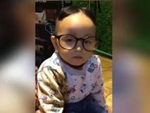 Không nhịn được cười với màn: học nói OK chuẩn phong cách của bé