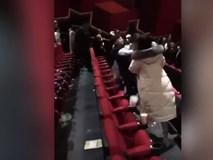 Hai chàng trai 'hoán đổi người yêu' đánh nhau ở rạp phim