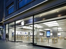 iPhone bất ngờ bốc cháy tại Apple Store, một nhân viên bị bỏng