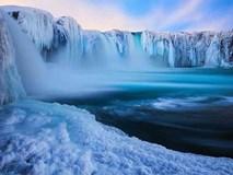 Nhìn những thác băng đẹp tinh khôi nhường này, ai còn mong chờ mùa xuân nữa