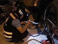 Bị tố sàm sỡ phụ nữ, đội SOS vá xe miễn phí ở Sài Gòn nói 'xin đừng đặt điều không đúng'