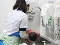 Hà Nội rét kỷ lục, bệnh viện dừng việc tắm cho trẻ sơ sinh