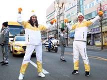 Trời lạnh -10 độ, Thanh Hằng vẫn đẹp rạng rỡ đi rước đuốc Thế vận hội mùa đông 2018 tại Hàn Quốc