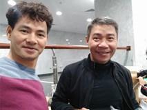 Clip hậu trường: Dàn nghệ sĩ ăn vội bữa cơm tối lúc 22 giờ 30, ráo riết tập luyện cho Táo Quân 2018