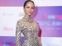 """Tân Hoa hậu H'hen Nie nhìn thô cứng như rô bốt chỉ vì kiểu tóc """"phản chủ"""""""