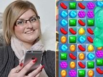 Chơi thử game Candy Crush, bà mẹ