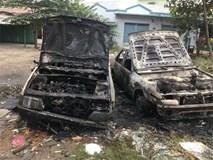 Một người đốt rác, hai chiếc ô tô bị thiêu rụi vì lửa cháy lan