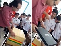 Học sinh tặng sinh nhật thầy thùng xốp chứa cả tiệm tạp hóa gây sốt