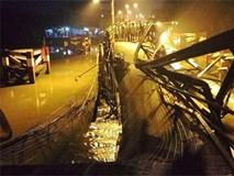 Sập cầu Long Kiển ở Sài Gòn, nhiều người và phương tiện rớt xuống sông
