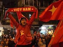 Trái tim hàng ngàn người đập chung một nhịp vì chiến thắng của U23 Việt Nam