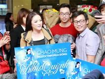 Như Quỳnh ra Hà Nội, được fan vây kín và gọi là 'Người tình mùa đông'