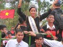 Hoa hậu H'Hen Niê gửi lời chúc chiến thắng tới U23 Việt Nam