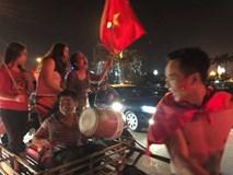 """Mọi ngả đường tê liệt sau chiến thắng """"không tưởng"""" của U23 Việt Nam"""