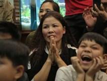 Mẹ Quang Hải xúc động: