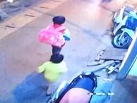 Bé trai 5 tuổi mồ côi mẹ bỏ nhà đi trong tay chỉ có 2 hộp sữa vẫn chưa về