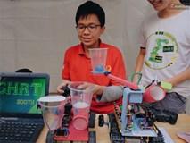 HS bây giờ giỏi quá, mới cấp 3 mà đã biết chế tạo robot và tổ chức hội chợ rồi!