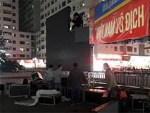 Hà Nội: Cư dân chung cư góp tiền thuê màn hình LED, mua đồ nhậu