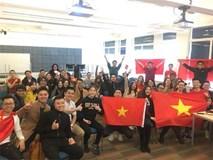Du học sinh tự hào hô vang hai tiếng Việt Nam với bạn bè quốc tế!