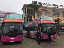 Đoàn xe máy và xe bus diễu hành đón U23 Việt Nam