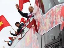 Khoảnh khắc ngất ngây chào đón U23 Việt Nam và thầy Park
