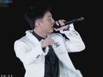 Không còn 'oh yeah' hay 'meo meo', Sơn Tùng M-TP bắt nhịp cho khán giả hô khẩu hiệu mới khi chúc mừng U23