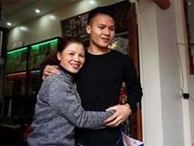 Người hùng Quang Hải bất ngờ bắt taxi, về nhà trong lặng lẽ
