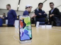 Apple cắt giảm sản xuất iPhone X do