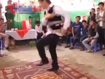 Bữa tiệc khiêu vũ của những vũ công chuyên nghiệp cấp...xóm