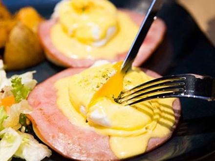 Món trứng chần 135 nghìn đồng khiến tín đồ ăn uống Sài thành xôn xao