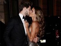 Thủ thành điển trai ôm hôn siêu mẫu Victoria's Secret giữa tiệc sinh nhật của Neymar