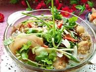 Canh măng khô móng giò mềm ngon mang đậm hương vị truyền thống ngày Tết