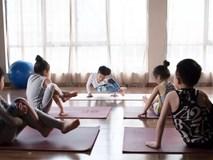"""""""Ông thầy"""" Yoga nhí, mới 7 tuổi đã nhận được thu nhập khủng đến hàng trăm triệu đồng"""