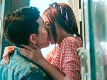 Bị Sam cưỡng hôn liên tiếp, Trường Giang 'quắn quéo' hết tay chân